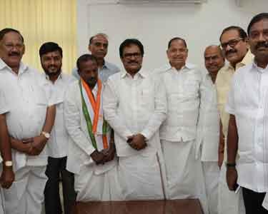 thirunavukarasarwith-congress-factions